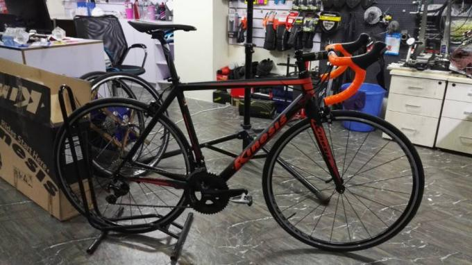 Alloy 7046 Road Bike Frame Inner Cables Routing With Half Carbon Fiber Fork