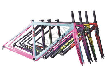 China Alloy 7046 Road Bike Frame Inner Cables Routing With Half Carbon Fiber Fork supplier